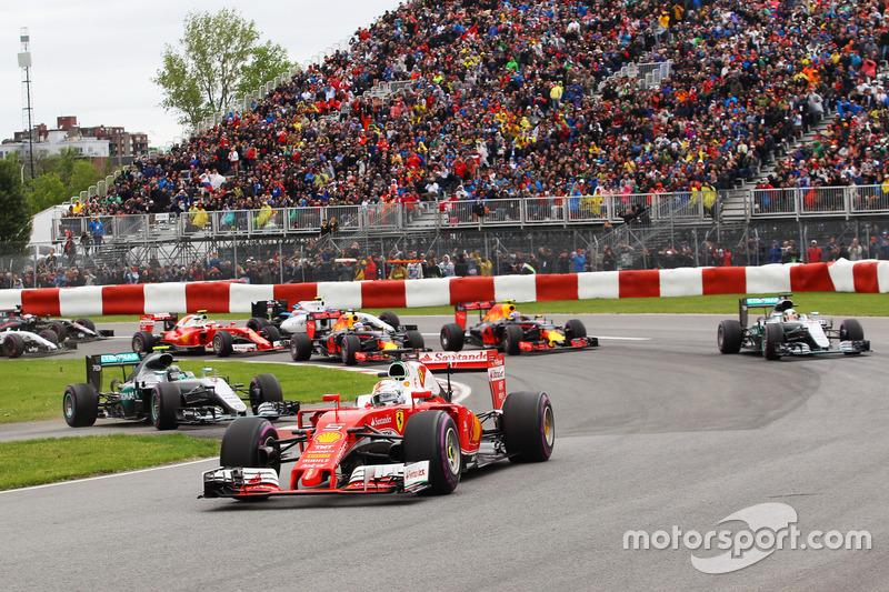 Себастьян Феттель, Ferrari SF16-H лідирує на старті гонки, Ніко Росберг, Mercedes AMG F1 W07 Hybrid