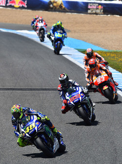 Start: Valentino Rossi, Yamaha Factory Racing, führt