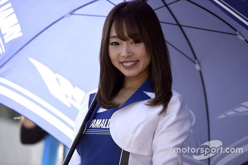 Hot Yamaha girl