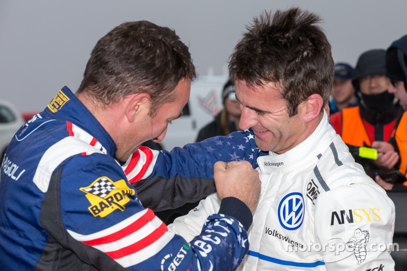 Il vincitore #94 Romain Dumas, Volkswagen I.D. R Pikes Peak, Simone Faggioli
