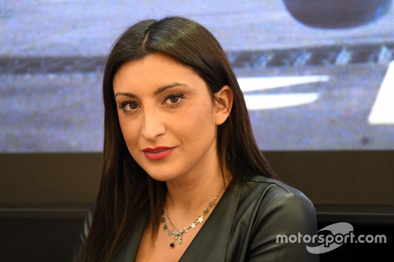 Las chicas en el Salón del Automóvil de Bolonia 2017