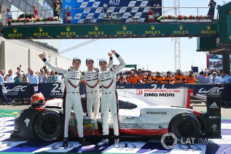 6. Race winners Timo Bernhard, Earl Bamber, Brendon Hartley, Porsche Team