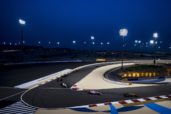 Jolyon Palmer, Renault Sport F1 Team RS17, Sergio Perez, Force India VJM10, Lance Stroll, Williams FW40, Fernando Alonso, McLaren MCL32
