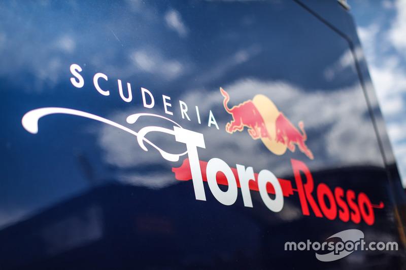 Scuderia Toro Rosso logo
