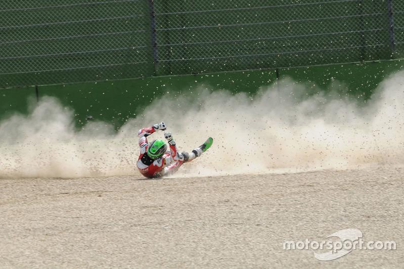 Caída de Eugene Laverty, Milwaukee Aprilia World Superbike Team