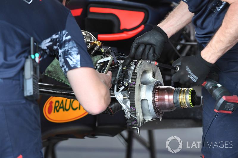 Red Bull RB13: Vorderradbremse