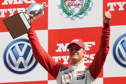 Podium: ganador de la carrera, Mick Schumacher