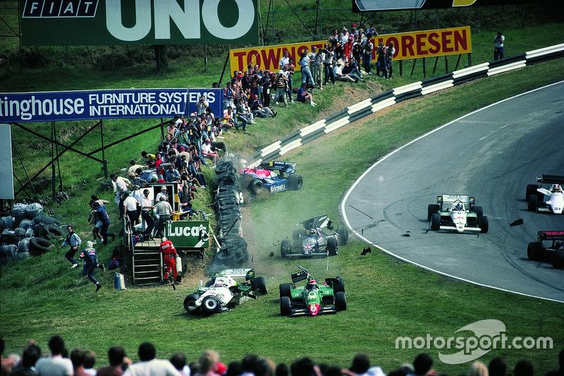 Eddie Cheever, Philippe Alliot, Stefan Johansson, Jo Gartner, accidente en la primera vuelta