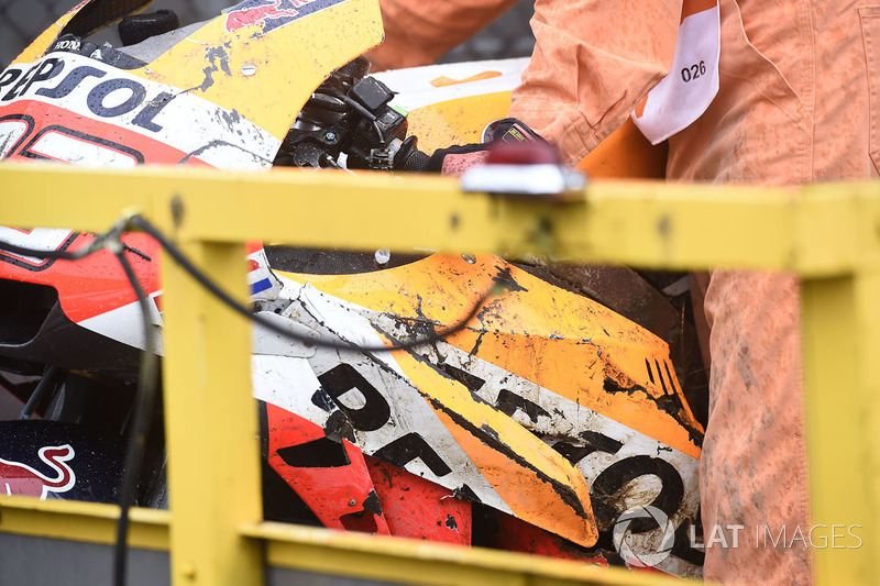 Marc Marquez, Repsol Honda Team, crashed bike