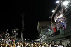Podium : le vainqueur Lewis Hamilton, Mercedes AMG F1, le deuxième, Daniel Ricciardo, Red Bull Racing, le troisième, Valtteri Bottas, Mercedes AMG F1
