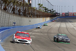 Ryan Blaney, Wood Brothers Racing Ford and Austin Dillon, Richard Childress Racing Chevrolet
