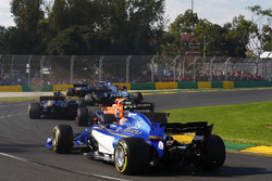 Antonio Giovinazzi, Sauber C36, Stoffel Vandoorne, McLaren MCL32, Kevin Magnussen, Haas F1 Team VF-17 and Marcus Ericsson, Sauber C36 collide in the gravel trap