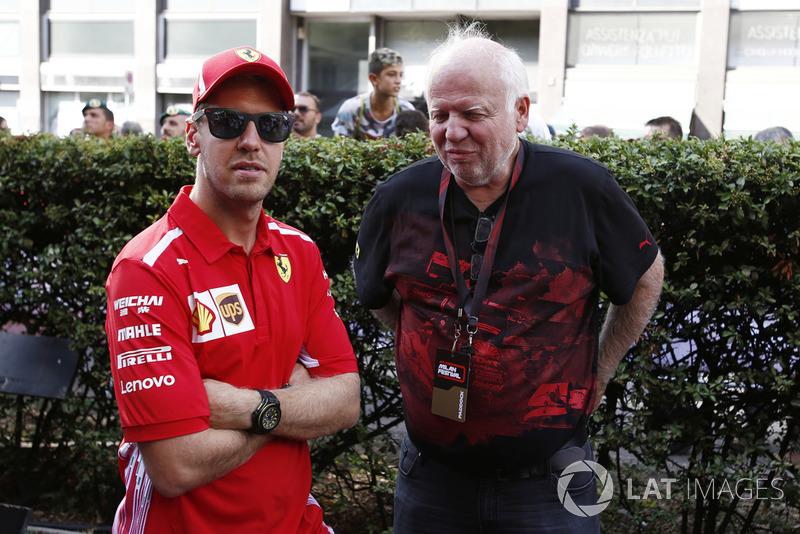Гонщик Ferrari Себастьян Феттель и его отец Норберт Феттель
