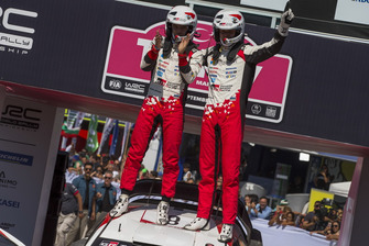 Ganadores Ott Tänak, Martin Järveoja, Toyota Gazoo Racing WRT Toyota Yaris WRC