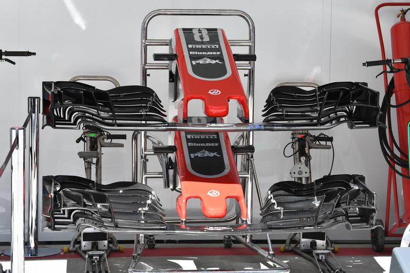 Haas F1 Team VF-18 nariz y alas delanteras