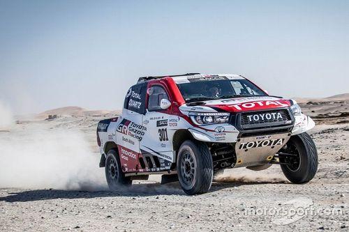 阿隆索与丰田在纳米比亚测试