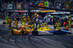Townsend Bell, Andretti Autosport Honda pit accident