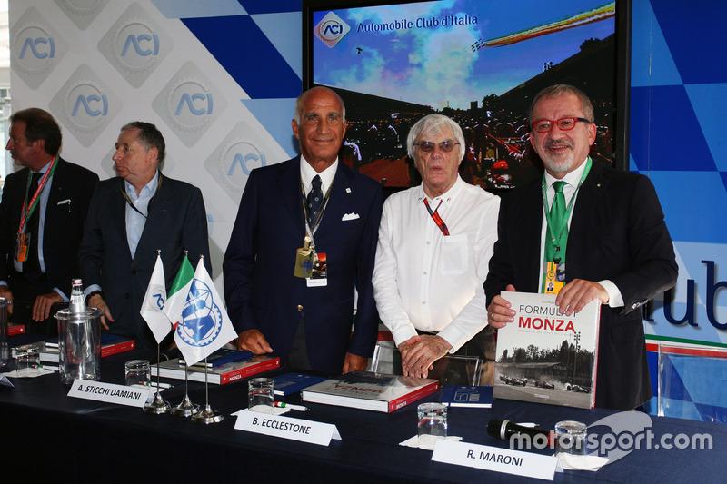 Jean Todt, FIA Başkanı ve Dr. Angelo Sticchi Damiani, Aci Csai Başkanı; Bernie Ecclestone ve Roberto