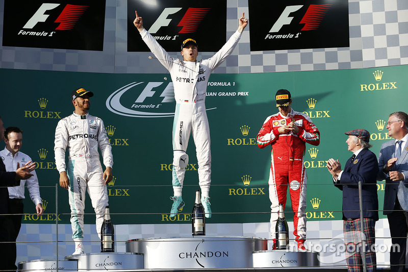 Podio: ganador Nico Rosberg, Mercedes AMG F1 Team, el segundo lugar Lewis Hamilton, Mercedes AMG F1 Team, y el tercer lugar Sebastian Vettel, Ferrari