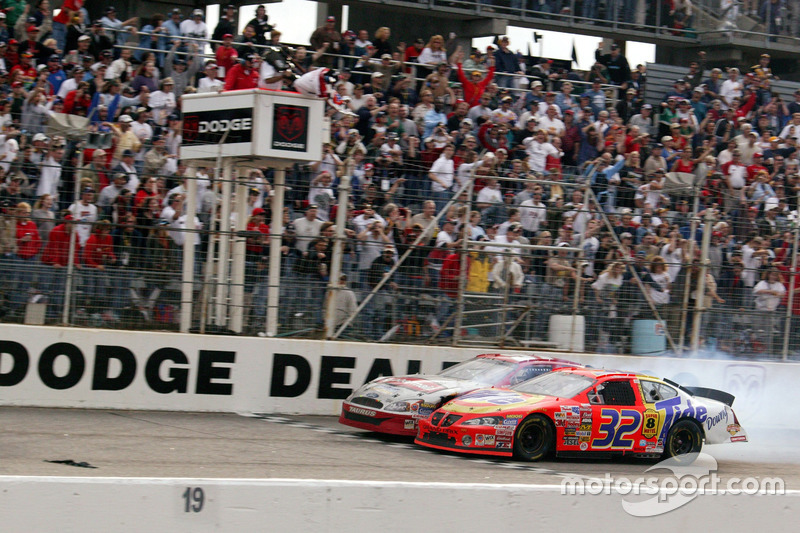 Darlington 2003: Ricky Craven vs Kurt Busch