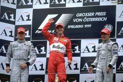 Подіум: 1. Едді Ірвайн, Ferrari. 2. Девід Култхард, McLaren-Mercedes. 3. Міка Хаккінен, McLaren-Mercedes
