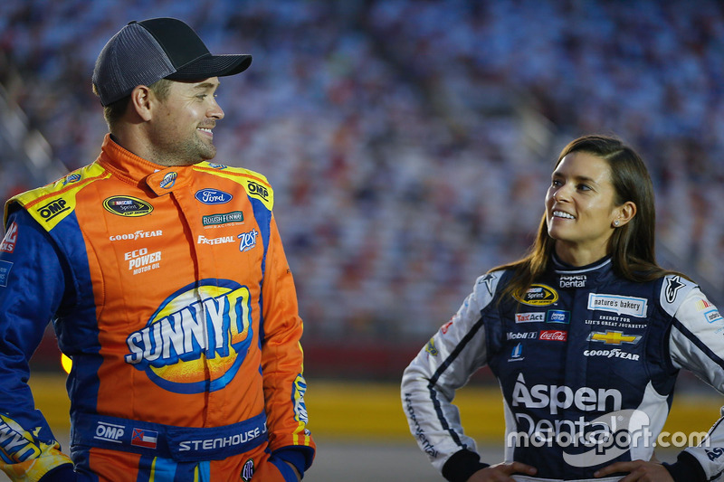Ricky Stenhouse Jr., Roush Fenway Racing Ford, Danica Patrick, Stewart-Haas Racing Chevrolet