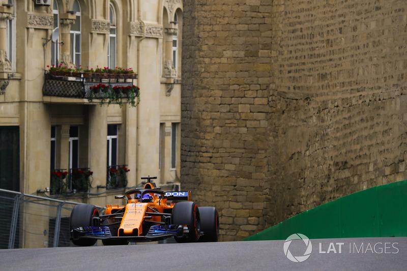Fernando Alonso disse que conseguiu o sexto tempo graças ao vácuo dos rivais