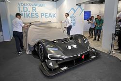 Francois-Xavier Demaison, Sven Smeets, Capo di Volkswagen Motorsport svela laVolkswagen I.D. R Pikes Peak