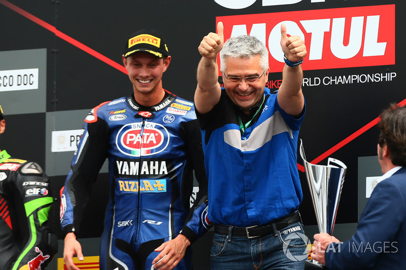 Podyum: Yarış galibi Michael van der Mark, Pata Yamaha, Andrea Dosoli