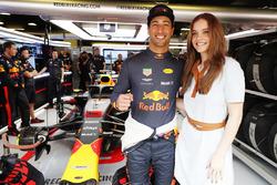 Daniel Ricciardo, Red Bull Racing, with model Barbara Palvin in the Red Bull garage