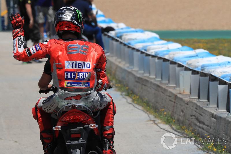 Jorge Lorenzo, Ducati Team, after carsh