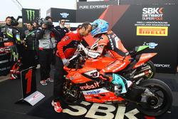 Marco Melandri, Aruba.it Racing-Ducati SBK Team takes pole position