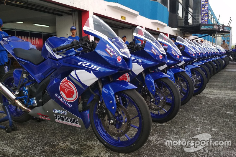Kelas All New R15 Idemitsu Junior Pro