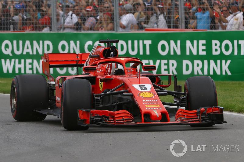 Il vincitore Sebastian Vettel, Ferrari SF71H, saluta alla fine della gara