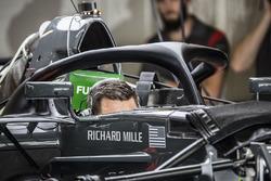 Haas F1 Team VF-17 con el halo