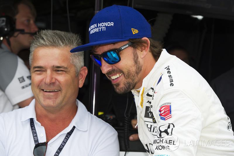 Fernando Alonso, Andretti Autosport Honda habla con Gil de Ferran