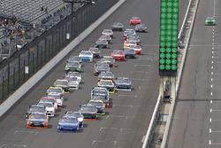 Erik Jones, Joe Gibbs Racing Toyota Elliott Sadler, JR Motorsports Chevrolet