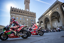 Sam Lowes, Aprilia Racing Team Gresini; Danilo Petrucci, Pramac Racing