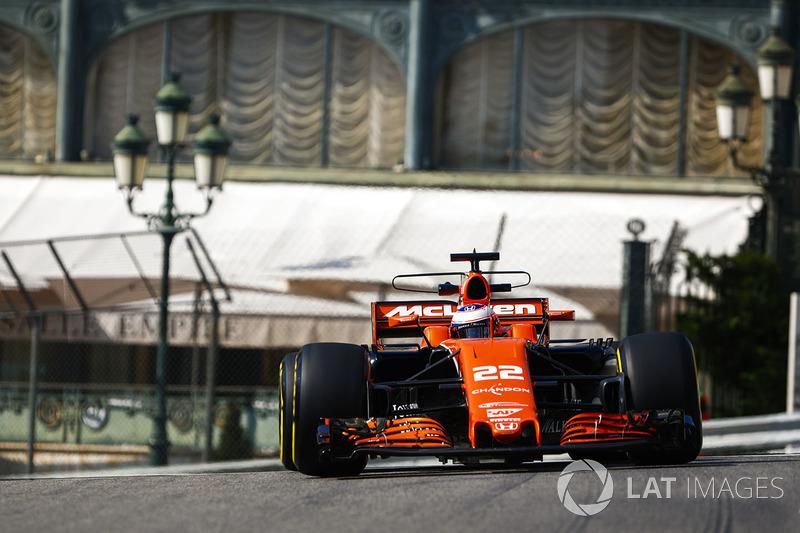 Abandon : Jenson Button (McLaren-Honda)