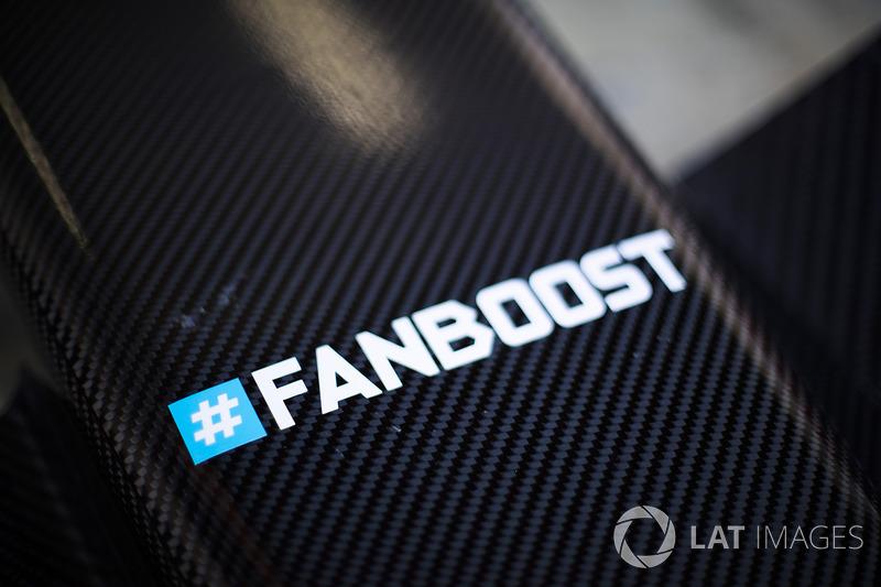 #fanboost logo