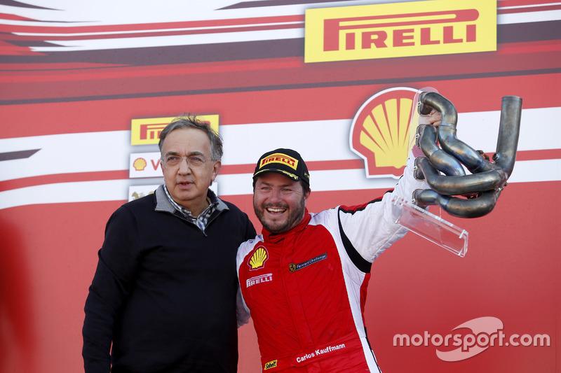 Podium: ganador, Carlos Kauffmann, Ferrari de Fort Lauderdale con Sergio Marchionne, Presidente Ferrari