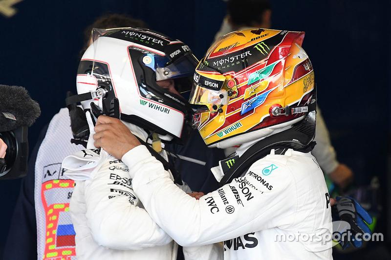 Race winner Valtteri Bottas, Mercedes AMG F1 and Lewis Hamilton, Mercedes AMG F1