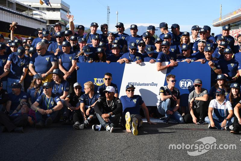 Lewis Hamilton, Mercedes AMG F1, F1 drivers and FIA Volunteers