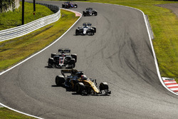 Nico Hulkenberg, Renault Sport F1 Team RS17, Kevin Magnussen, Haas F1 Team VF-17, Lance Stroll, Williams FW40