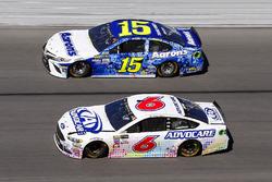 Trevor Bayne, Roush Fenway Racing Ford and Michael Waltrip, Premium Motorsports Toyota