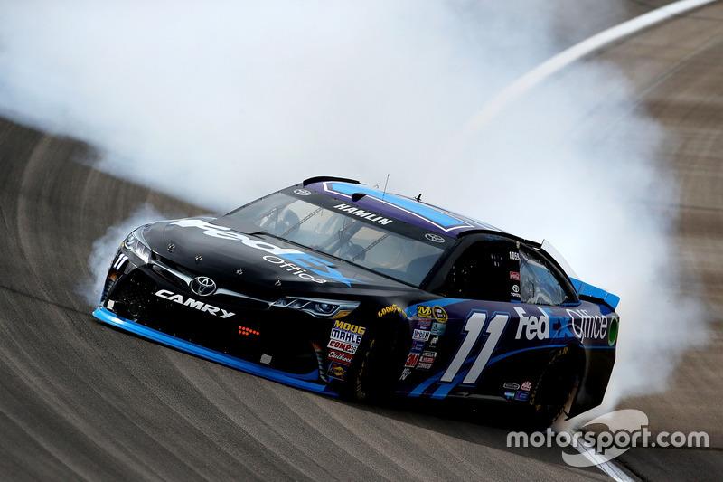 Denny Hamlin, Joe Gibbs Racing Toyota dreht sich