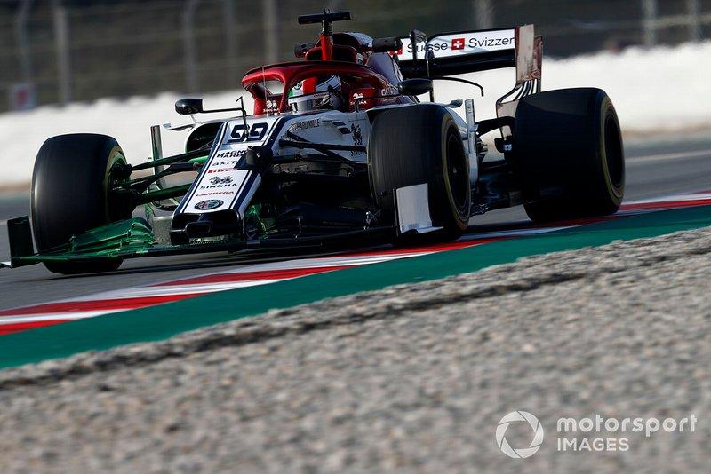 Antonio Giovinazzi, Alfa Romeo Racing C38 con parafina en el alerón delantero