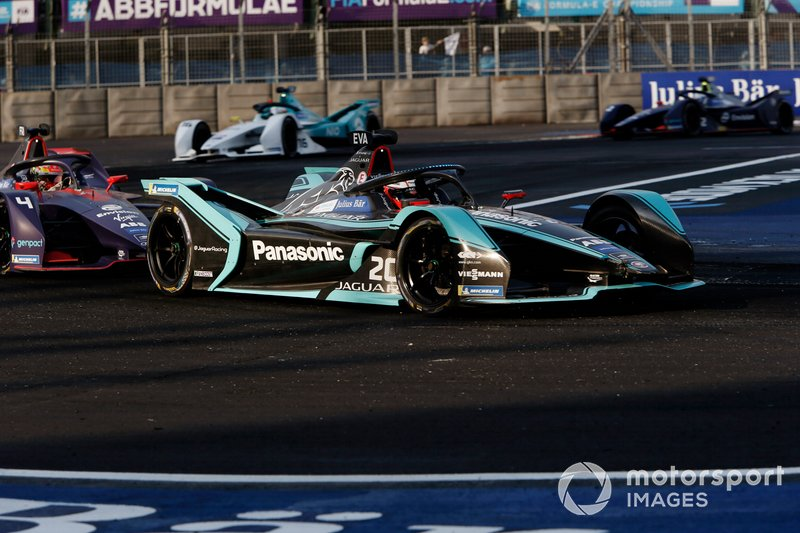 Mitch Evans, Panasonic Jaguar Racing, Jaguar I-Type 3, Robin Frijns, Envision Virgin Racing, Audi e-tron FE05
