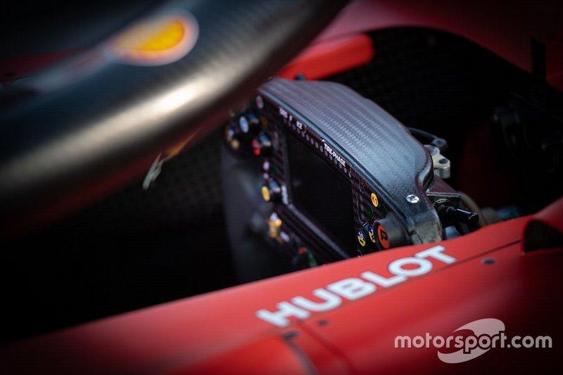 Ferrari SF90, dettaglio del volante