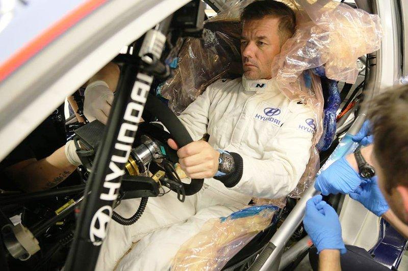 Sébastien Loeb, Hyundai Motorsport. fa il sedile per la i20 Coupé WRC Plus